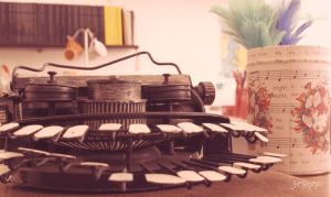typewriter IV by mabelzey