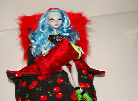 Ghoulia Yelps Monster High Doll Bed 2 by Neko23465