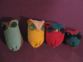 Owl ornament plushies by Voldenae