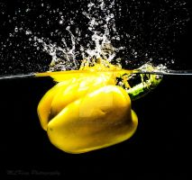 Yellow pepper drop by BlueBlur7000
