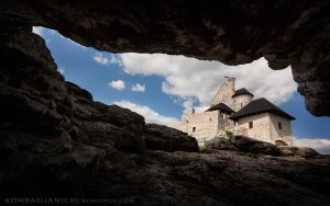 Castle in Bobolice by KonradJanicki