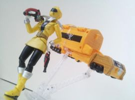 Gokai Yellow by 0PT1C5