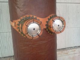 Leather beer goggles by Leatherfanshop