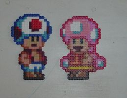 Hama beads - Toad + Toadette by acidezabs
