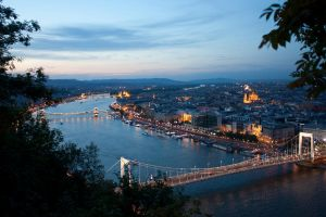 A Beautiful Night in Budapest by balaunal