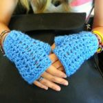 Crochet V Stitch Fingerless Gloves by tangelato