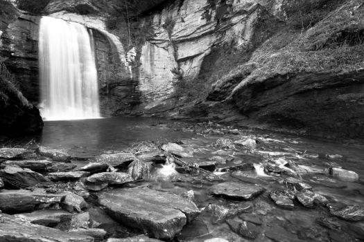 Looking Glass Falls by NorthernWave25