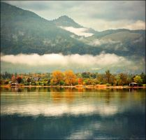Autumn on Wolfgangsee by jup3nep