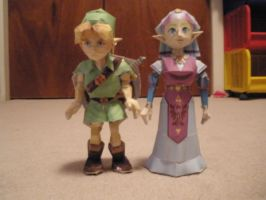 LINK AND ZELDA PAPERCRAFT by pancakes-D