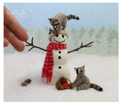 Winter shenanigans raccoon sculptures by Pajutee