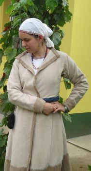 10th century hungarian - upper clothes by Ninacska