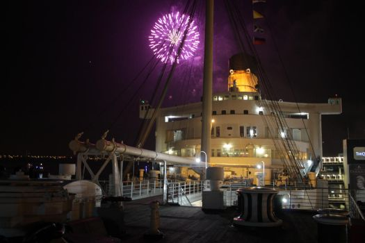 QM Fireworks at the Bow by bobbywolfey