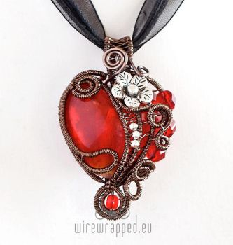 Heart and flower pendant by ukapala