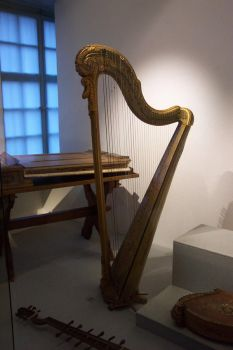 Stock Luzern_Harp 2 by esseacca