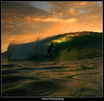 Sunset Surfing by manaphoto