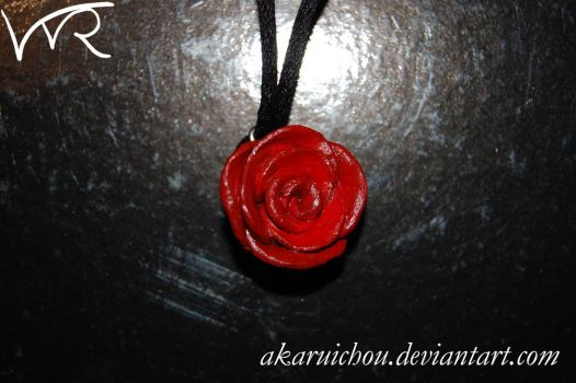 Rose pendant by AkaruiChou