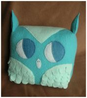 Large Blue Owl by elbooga