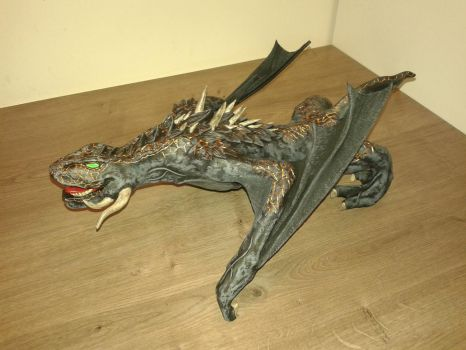 Game of Thrones Drogon sculpture 01 by TKnockers