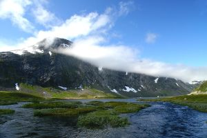 The mountains of Stryn by KeezRha