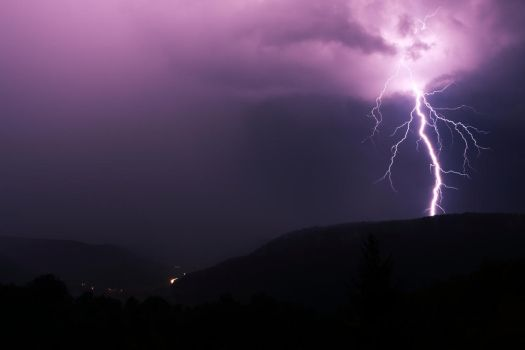 lightning by frequenzlos