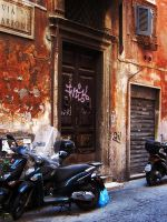 Roma Vicolo by usagicassidy